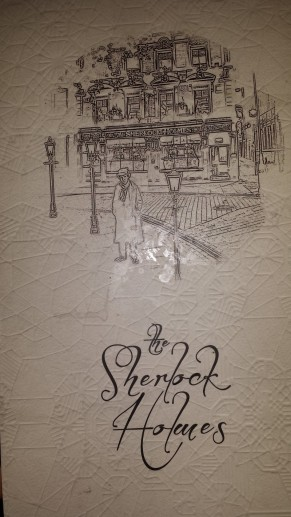The Sherlock Holmes, 10-11 Northumberland St, London WC2N 5DB, Reino Unido +44 20 7930 2644