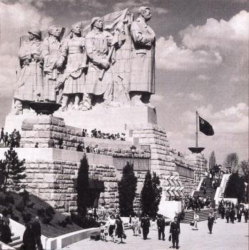 monumento a Stalin en parque Letna Praga